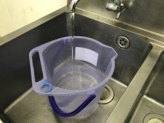 熱帯魚水槽に水道水を入れて大丈夫?カルキ抜きや水換え方法とは