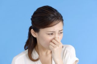 金魚の水槽が臭い!匂いの出る原因と対策を完全解説!